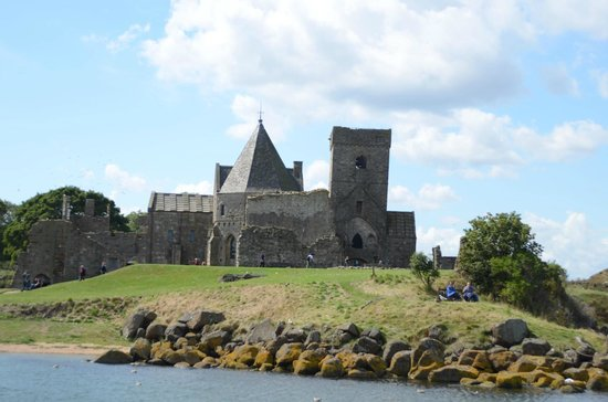 Maid of the Forth: Inchccolm Abbey.