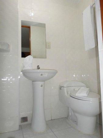 Ecologica Mapi : bathroom