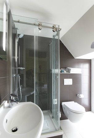Holiday Inn Paris Opera-Grands Boulevards: Bathroom Single Room