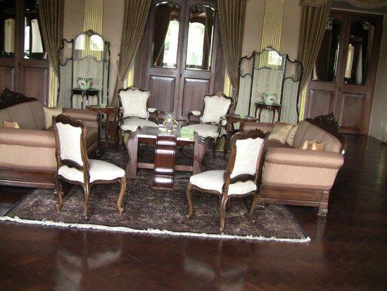 Chowmahalla Palace: Dining table