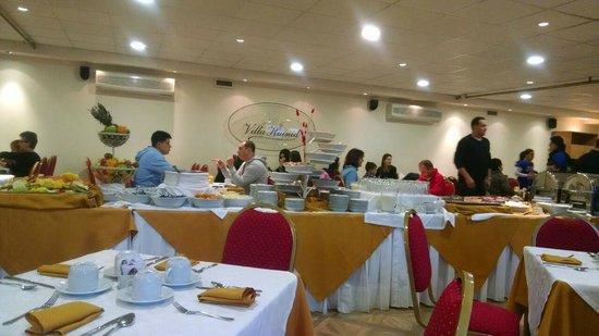 Hotel Villa Huinid Bustillo: café da manhã