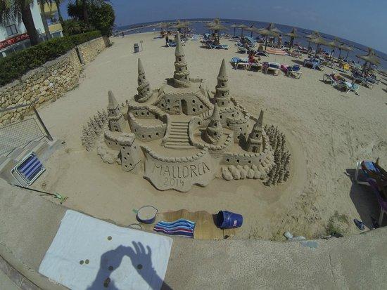 Apartamentos Playa Moreia: Sandcastles at Cala Bona