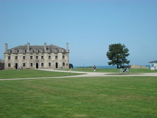 Old Fort Niagara: Fort grounds