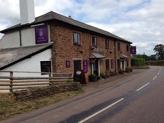 The Rose & Crown Inn: New signage