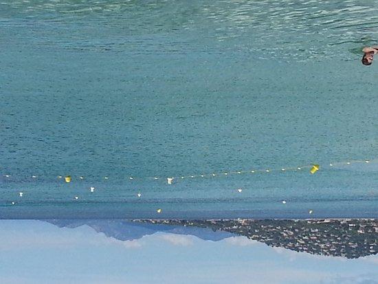le WYC : Plage à l'eau cristalline