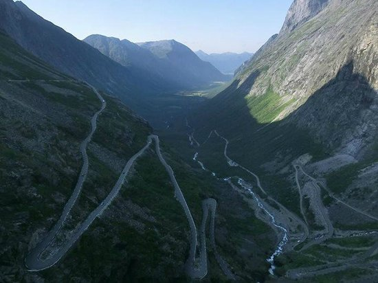 Trollstigen (Troll's Footpath): View from the second viewing platform