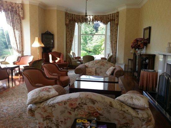 Glengarry Castle Hotel: Un des deux salons