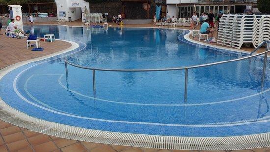 TUI Family Life Flamingo Beach Resort: Main pool
