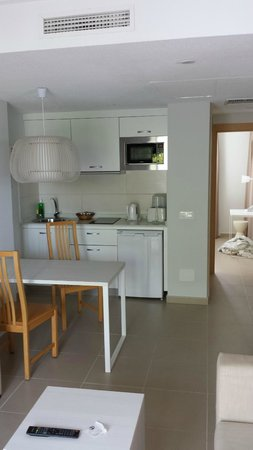 TUI Family Life Flamingo Beach Resort: Kitchen area of appartment