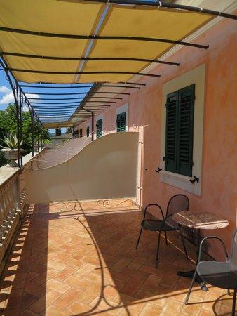 Villa Zuccari: patio off of our room