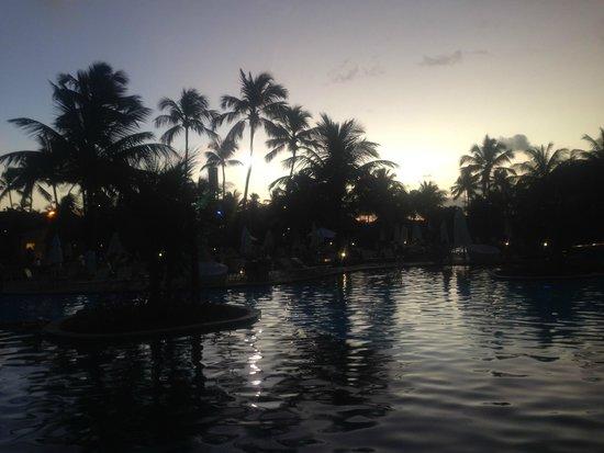 Nannai Resort & Spa : Evening at the pool