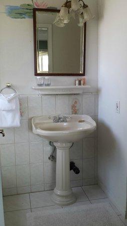 Mirabelle Inn: Bathroom
