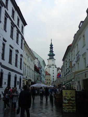 Михайловские ворота: Rua Michalská com o Portão de São Miguel ao fundo