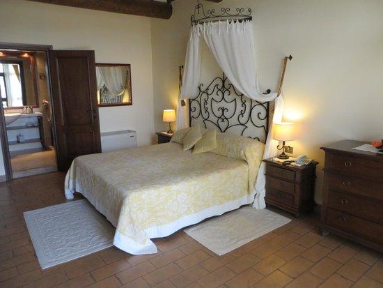 Villa di Monte Solare: bedroom