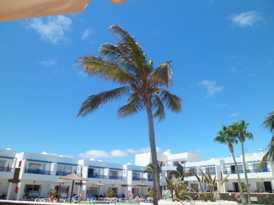 Hotel Club Siroco: blue skies