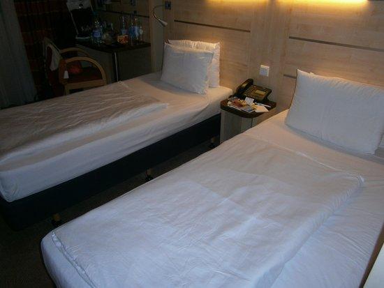 Holiday Inn Express Berlin City Centre-West: Camera doppia