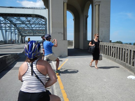 Cycle City Tours and Bike Rentals: Burrard Street bridge