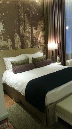 Hotel Indigo St. Petersburg - Tchaikovskogo: кровать