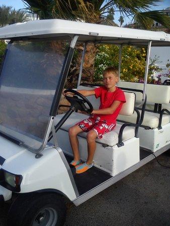 Domina Coral Bay Oasis : гольф-машина
