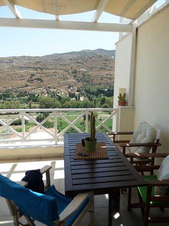 Anemomiloi Andros: η θέα απο την βεράντα