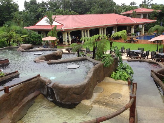 Volcano Lodge & Springs: multi-level hot spring pools