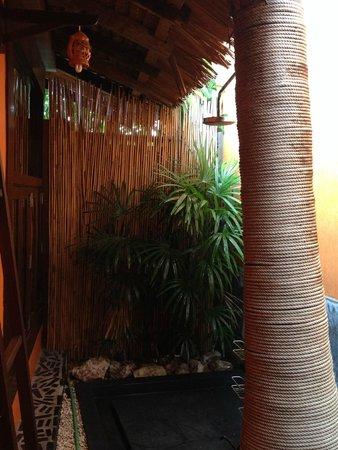 Samui Jean Resort: Outside bathroom view 2