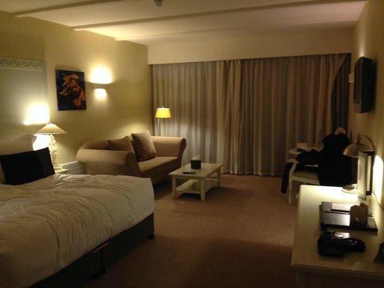 Monart: Room