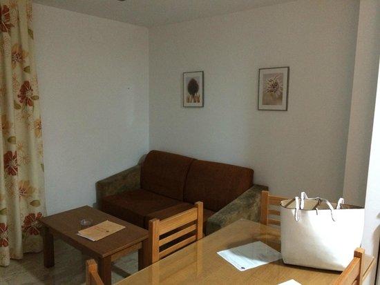Hotel Apartamentos Loto Conil: Salon