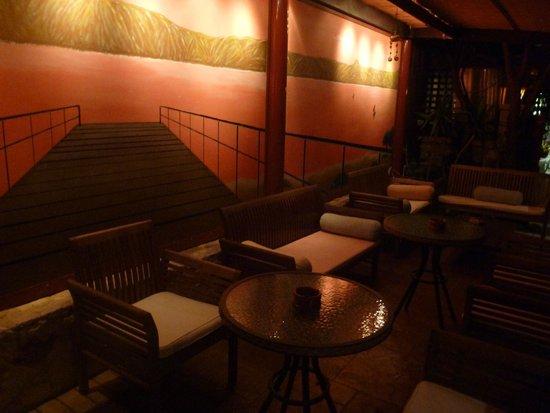 Mama's Dinner Restaurant: le bar lounge
