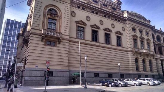 Theatro Municipal De São Paulo : lateral