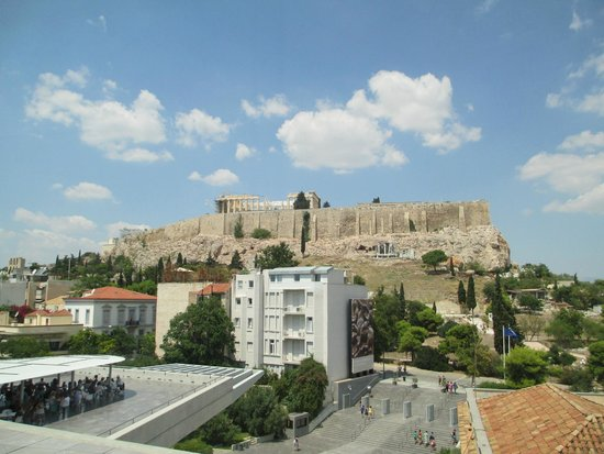 Acropolis Museum: view of the acropolis from the museum
