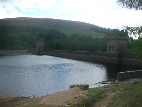 Derwent Dam: Derwent Valley Dam