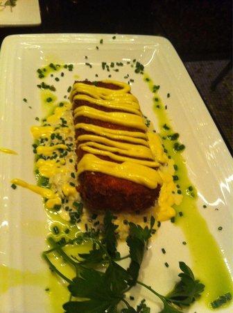 Julian Serrano Tapas: Salmon cake