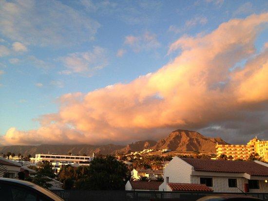 Apartamentos Playazul : Когда выходишь из отеля - такой чудесный вид, ах)