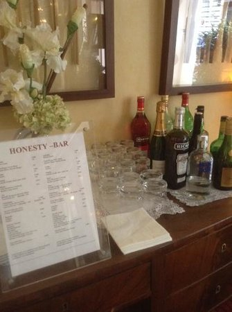Hotel Saint-Ferdinand by HappyCulture: liked the honesty bar