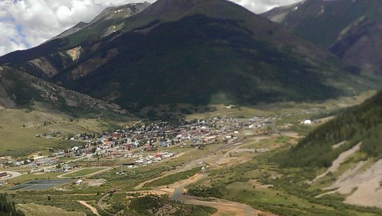 The Wyman Hotel and Inn : Looking down on the town of Silverton from mountain pass