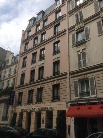 Hotel Etoile Saint-Ferdinand : quiet area