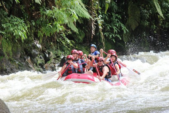 Desafio Adventure Company - Day Tours : A little whitewater