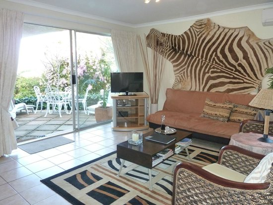 African Dreams: Zebra Apartment with private patio