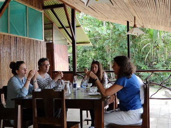 Anaconda Lodge Ecuador: Guest from France, enjouying the after table!