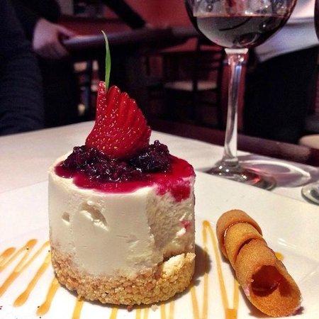 Francis Restaurant: Cheese cake imperdível
