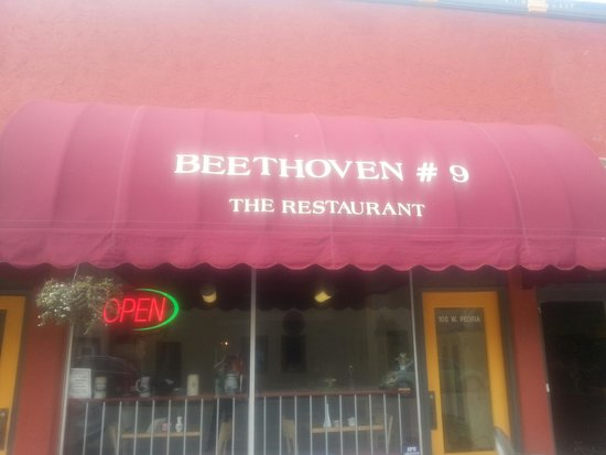Beethoven's #9 The Restaurant: Beethoven's #9 Restaurant - Paola KS