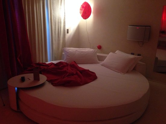 Residenze SuiteSistina for Lovers: Lit énorme !