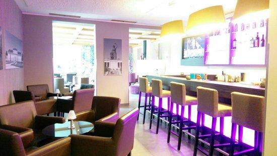 Hotel Munich City : Bar area... Under used