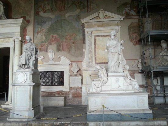 Camposanto: Sculptures