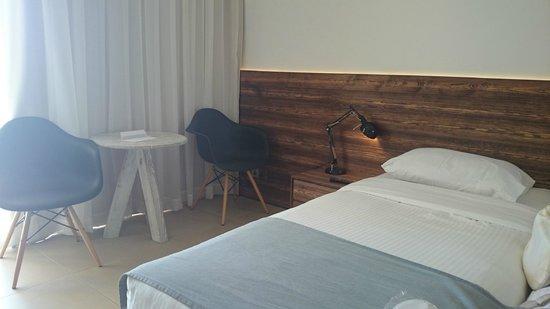 Amphora Hotel & Suites : номер
