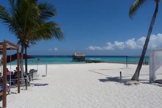 Azul Beach Resort The Fives Playa Del Carmen: The beautiful beach