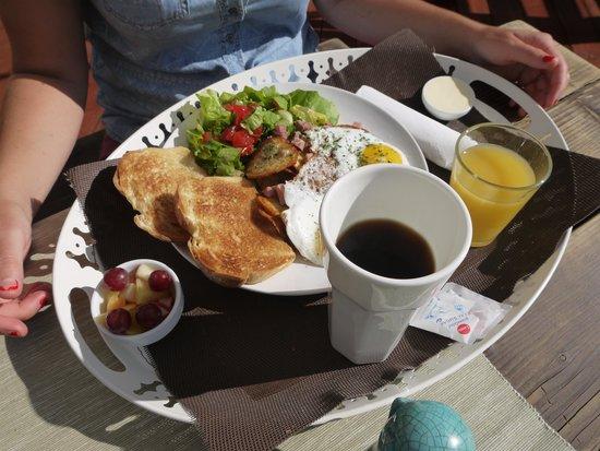 Le Domaine du Lac Saint Charles: le petit déjeuner !
