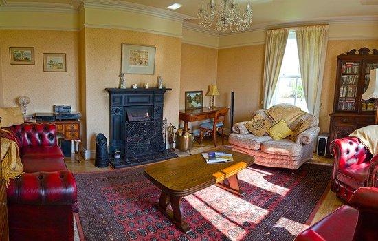 Moss Farm: Guest Lounge - Farmhouse