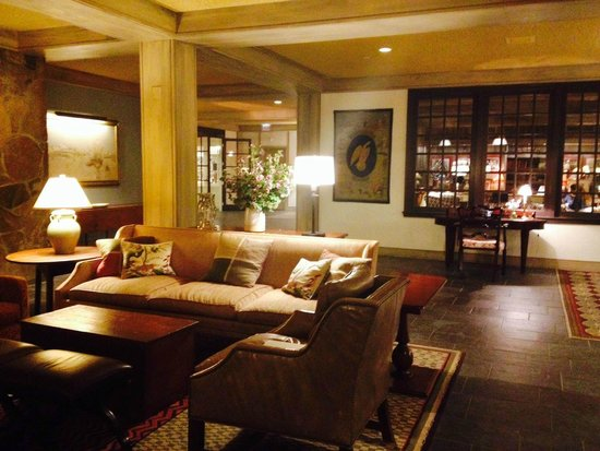 Woodstock Inn and Resort : View of front lobby.